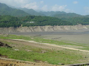 The fluctations of the temperatures can cause the reservoir to dry out completely, Shi-Men Reservior, Taiwan