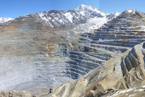 Open pit mine of Los Pelambres porphyry copper deposit, Chile. The mine contains resources of more than 420 million tons of ore with grades of 0,78% Cu and 0,035 % Mo